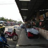 Photo taken at ตลาดนานาเจริญ by Jeng B. on 9/30/2012