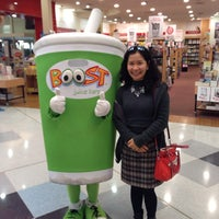 Photo taken at Boost Juice by Rattanawan R. on 4/9/2014