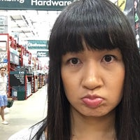 Photo taken at Bunnings Warehouse by yrummy on 4/16/2016