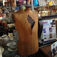 Photo taken at Avenue Antiques by Mich on 11/10/2012