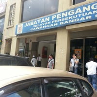 Photo taken at Jabatan Pengangkutan Jalan (JPJ) by Jabir J. on 11/30/2012