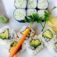 Photo taken at Endo Sushi by Thais L. on 5/18/2014