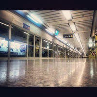 Photo taken at MRT Chatuchak Park (CHA) by M-i-T-T-Y M. on 1/8/2013