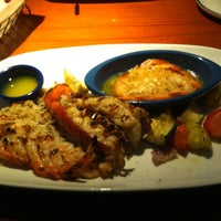 Photo taken at Red Lobster by Hendra W. on 6/27/2013