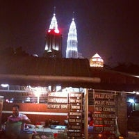 Photo taken at Sukhumvit Restaurant by Azlan DuPree on 10/6/2012