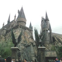 Photo taken at Universal's Islands of Adventure by ShayReavel P. on 12/29/2013