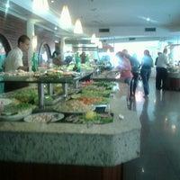 Photo taken at Lótus Restaurante Vegetariano by Yuri A. on 1/14/2013