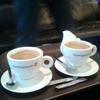 Photo taken at espressamente illy coffee bar by Yannick M. on 11/25/2012