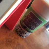 Photo taken at Ten Ren Tea 天仁茗茶 by Hungrylee H. on 5/20/2014
