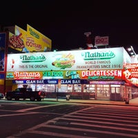 Photo taken at Coney Island USA - Museum & Freak Show by Barbara R. on 3/20/2016