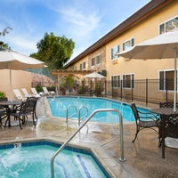 Photo taken at Ayres Inn Corona East by Ayres Hotels on 3/18/2014