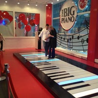 Photo taken at FAO Schwarz by Gary G. on 1/15/2013