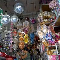 Photo taken at Pasar Seni Sukawati (Sukawati Art Market) by Ella E. on 10/7/2012