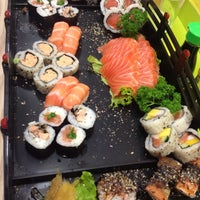 Photo taken at Kantô Sushi Express by Rizeli D. on 5/13/2013