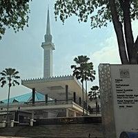 Photo taken at Masjid Negara (National Mosque) by Mulyadi R. on 7/22/2013