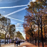 Photo taken at Gardens of the Champs-Élysées by MikaelDorian on 10/4/2012
