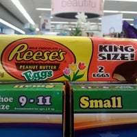 Photo taken at Walgreens by Jonathan Hernan C. on 4/1/2013