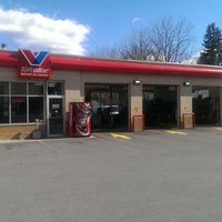 Photo taken at Valvoline Instant Oil Change by Corporate VIOC M. on 4/7/2016