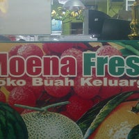 Photo taken at Moena Fresh by Wahyu B. on 2/4/2013