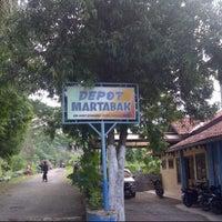 Photo taken at RM dan pemancingan bukit sitanjung by Virgo R. on 12/25/2012