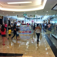 Photo taken at Center Shopping by Vinícius A. on 9/29/2012