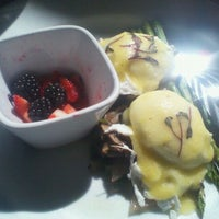 Photo taken at Bridges Restaurant & Bar by Mari P. on 9/30/2012