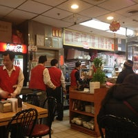 Photo taken at New Hon Wong Restaurant 新恒旺大飯店 by Kristi P. on 2/4/2013