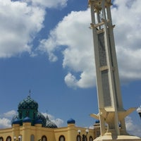 Photo taken at Masjid Agung Al Karomah Martapura by Firda A. on 8/13/2014