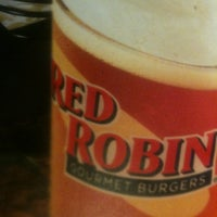 Photo taken at Red Robin Gourmet Burgers by Andre B. on 10/14/2012