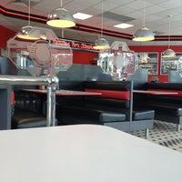 Photo taken at Steak 'n Shake by Beau C. on 12/9/2012