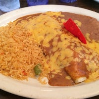 Photo taken at Los Arcos Mexican Restaurant by Hugo R. on 2/25/2014