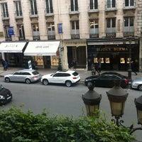 Photo taken at Hôtel Westminster by АсЯ:) on 10/30/2012