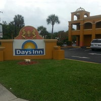 Photo taken at Days Inn Orlando International Drive by César P. on 6/5/2013