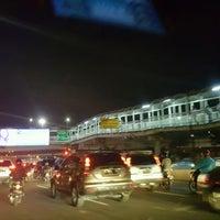Photo taken at Halte TransJakarta Grogol 1 by クリスティン c. on 8/25/2016