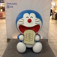 Photo taken at 小田急 新宿駅 2-3番線ホーム by T L. on 3/30/2013