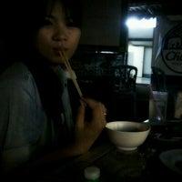 Photo taken at สิบหมื่น by Niti Z. on 10/25/2012