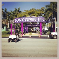 Photo taken at Crandon Tennis Center by BJ S. on 3/8/2013
