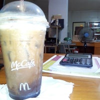 Photo taken at McDonald's by Jel T. on 11/6/2014