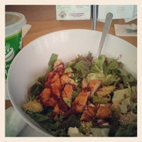 Photo taken at Super Salads by Alma C. on 3/28/2013