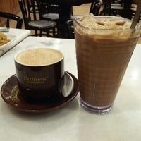 Photo taken at OldTown White Coffee by joycee J. on 8/7/2014