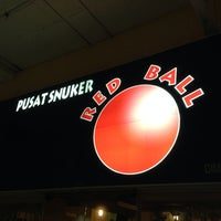 Photo taken at Red Ball Snooker by Alarmist W. on 5/31/2014