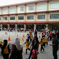 Photo taken at Sekolah Kebangsaan Seri Pristana by Nurul A. on 9/28/2013