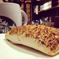 Photo taken at Starbucks by Jane💞 on 4/22/2016