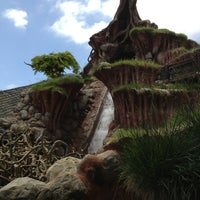 Photo taken at Splash Mountain by Kenny D. on 6/3/2013