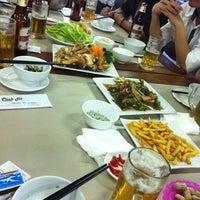 Photo taken at Cảnh Hồ Restaurant by Trung K. on 6/24/2013
