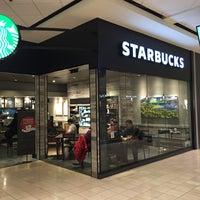 Photo taken at Starbucks by Zac M. on 2/13/2016