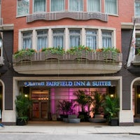 Fairfield inn suites chicago downtown magnificent mile for Nice hotels in chicago downtown