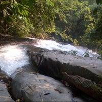Photo taken at Air Terjun Sg. Gabai (Waterfall) by 'IzudinZainal on 5/14/2013