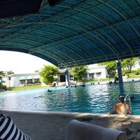 Photo taken at ATLANTIS swimming pool by Eko L. on 10/21/2012
