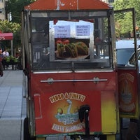 Photo taken at Pedro & Vinny's Burrito Cart by Mikhail B. on 8/26/2016